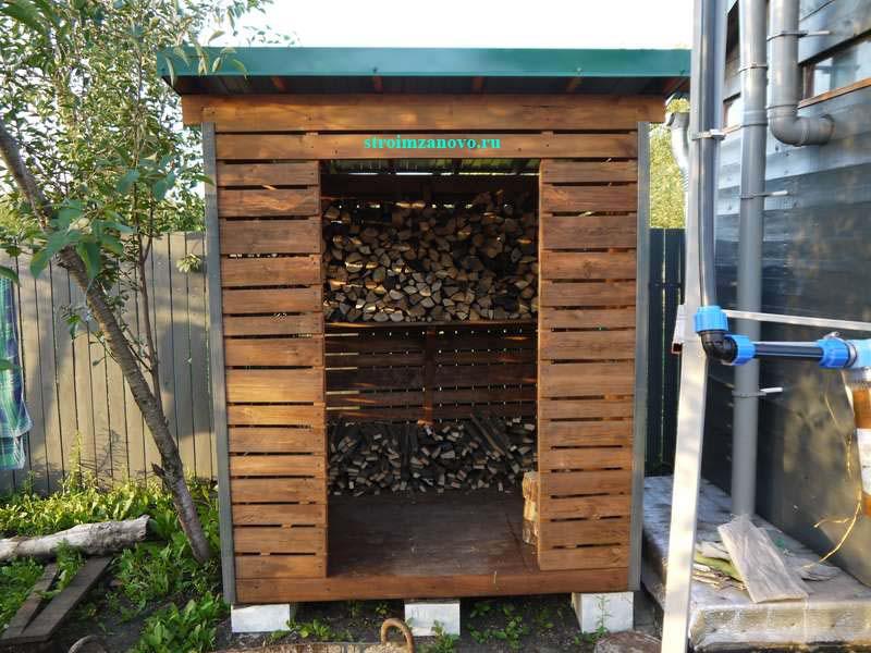 Как построить дровяник на даче своими руками 82