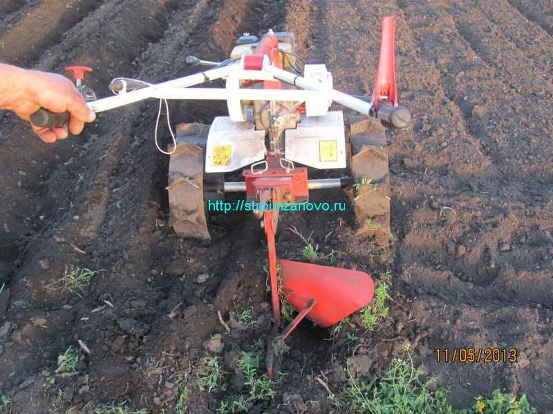 Плуг для посадки картофеля для мотоблока