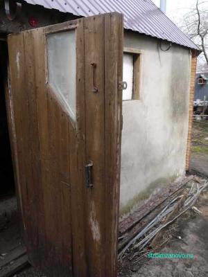 dver_v_kuryatnik