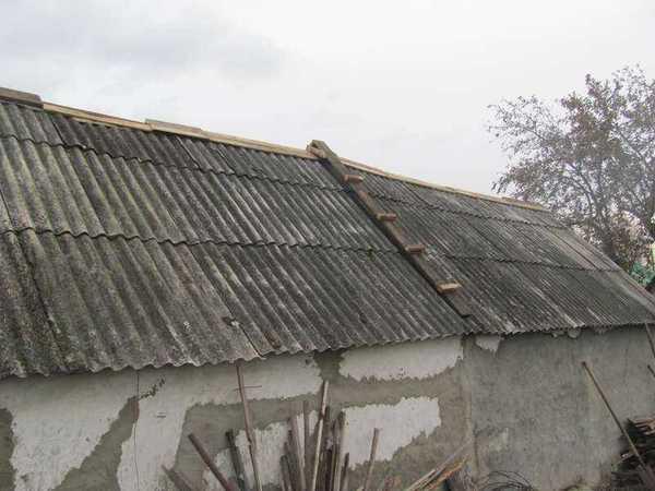 ремонт конька крыши