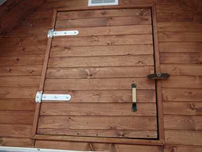 дверь во фронтон